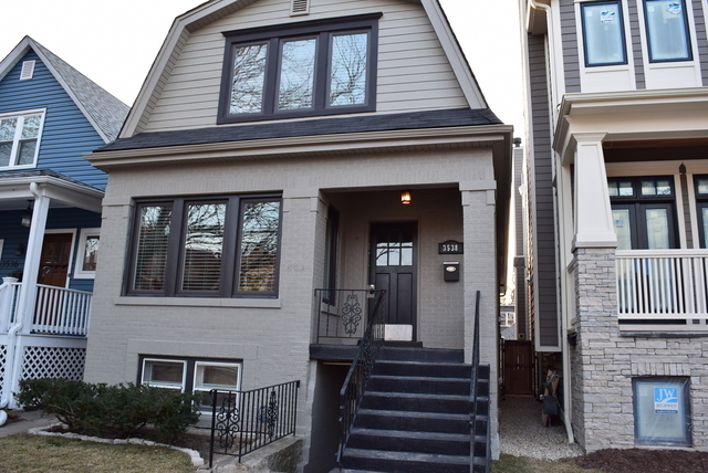 3 Bedrooms, Roscoe Village Rental in Chicago, IL for $6,995 - Photo 1