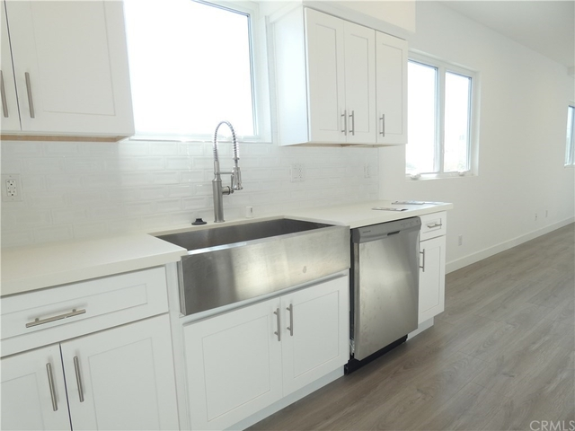 3 Bedrooms, NoHo Arts District Rental in Los Angeles, CA for $3,475 - Photo 2