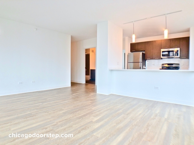 3 Bedrooms, River North Rental in Chicago, IL for $6,246 - Photo 2