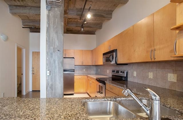 1 Bedroom, Downtown Fort Worth Rental in Dallas for $1,650 - Photo 2
