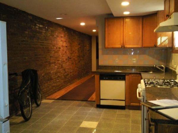 3 Bedrooms, Allston Rental in Boston, MA for $2,500 - Photo 1