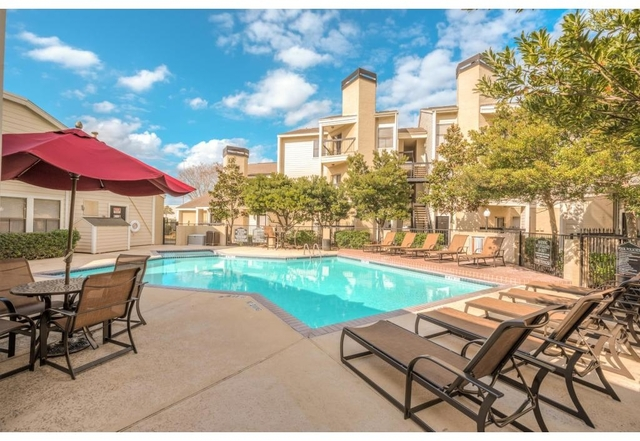 1 Bedroom, Willowbrook Mall Rental in Houston for $819 - Photo 2