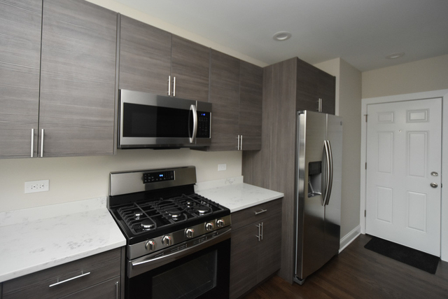 2 Bedrooms, Andersonville Rental in Chicago, IL for $2,350 - Photo 2