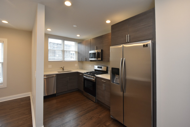 2 Bedrooms, Andersonville Rental in Chicago, IL for $2,395 - Photo 2