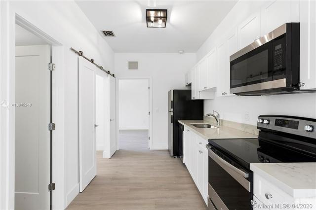 1 Bedroom, Coral Gables Rental in Miami, FL for $1,900 - Photo 2