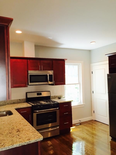 3 Bedrooms, Highland Park Rental in Boston, MA for $3,250 - Photo 2