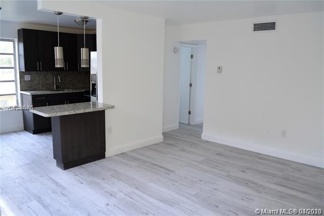 2 Bedrooms, Douglas Rental in Miami, FL for $1,950 - Photo 2