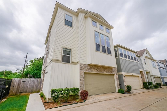 3 Bedrooms, Pine Village Rental in Houston for $2,500 - Photo 1