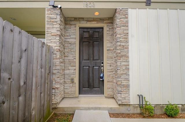 3 Bedrooms, Pine Village Rental in Houston for $2,500 - Photo 2