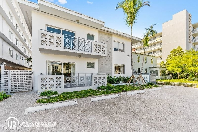 2 Bedrooms, West Avenue Rental in Miami, FL for $2,400 - Photo 2