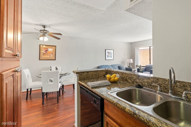 2 Bedrooms, NoHo Arts District Rental in Los Angeles, CA for $2,315 - Photo 1