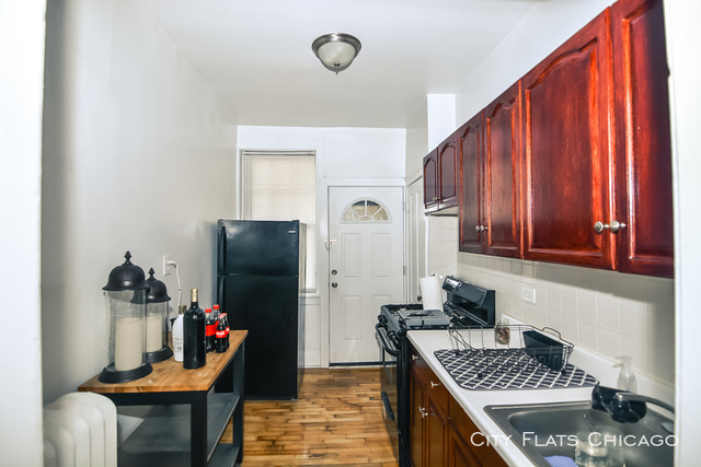 1 Bedroom, North Center Rental in Chicago, IL for $1,349 - Photo 2