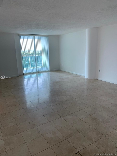 2 Bedrooms, Millionaire's Row Rental in Miami, FL for $3,100 - Photo 2
