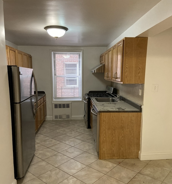 2 Bedrooms, Queens Rental in NYC for $2,050 - Photo 2
