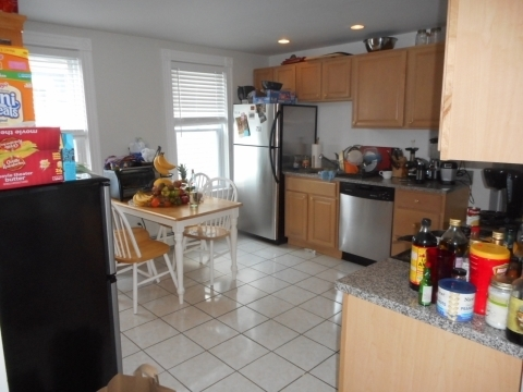 6 Bedrooms, Oak Square Rental in Boston, MA for $4,600 - Photo 2