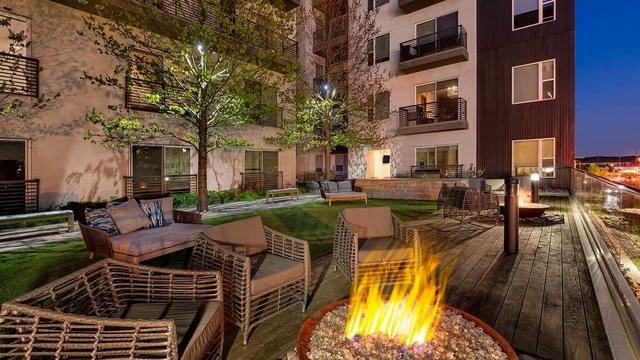 2 Bedrooms, Oak Lawn Rental in Dallas for $2,371 - Photo 1