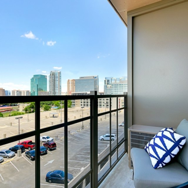 1 Bedroom, Victory Park Rental in Dallas for $1,675 - Photo 1