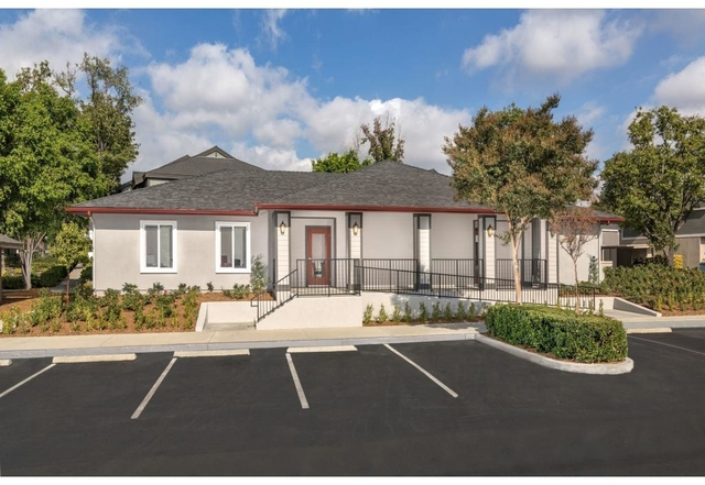 3 Bedrooms, Terra Vista Rental in Los Angeles, CA for $2,167 - Photo 2