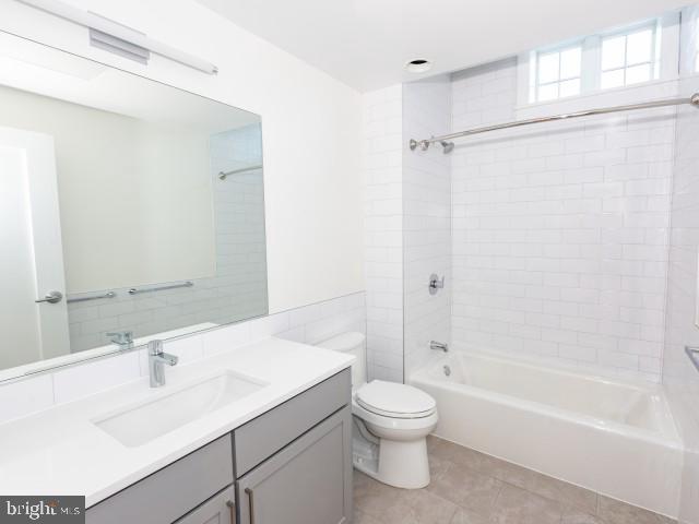 2 Bedrooms, West Village Rental in Washington, DC for $4,500 - Photo 2