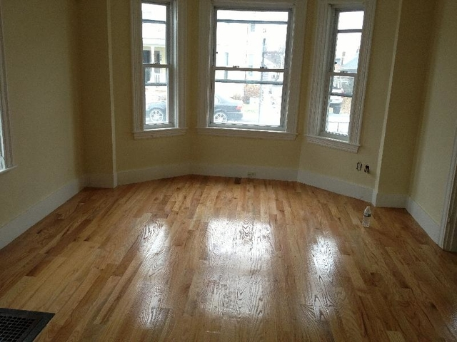 3 Bedrooms, Bank Square Rental in Boston, MA for $2,625 - Photo 1