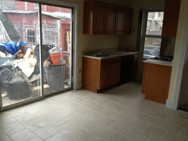 3 Bedrooms, Bank Square Rental in Boston, MA for $2,625 - Photo 2