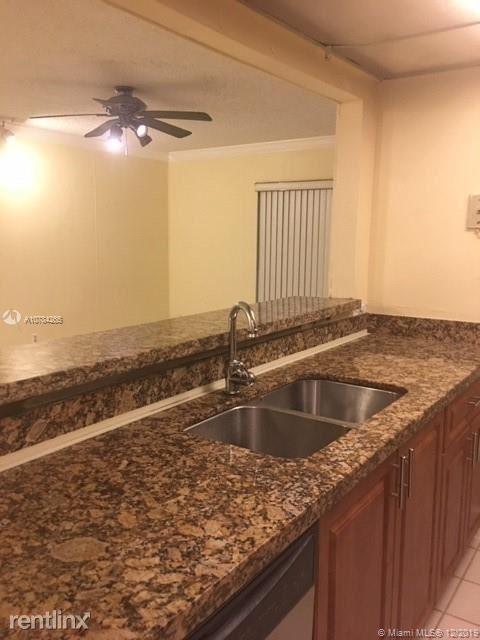 2 Bedrooms, Village Green Rental in Miami, FL for $1,250 - Photo 1