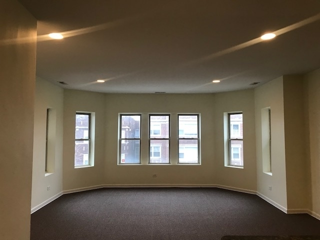 3 Bedrooms, South Shore Rental in Chicago, IL for $1,210 - Photo 2