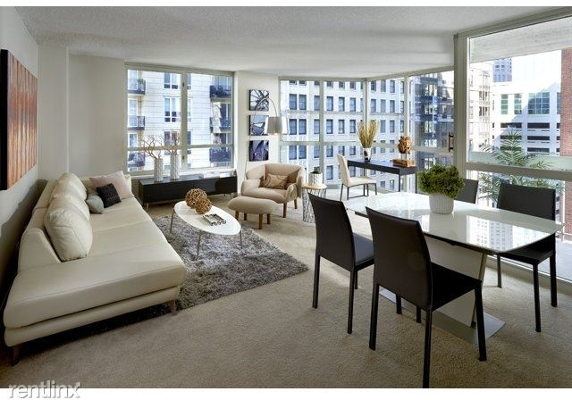 2 Bedrooms, Gold Coast Rental in Chicago, IL for $3,300 - Photo 1