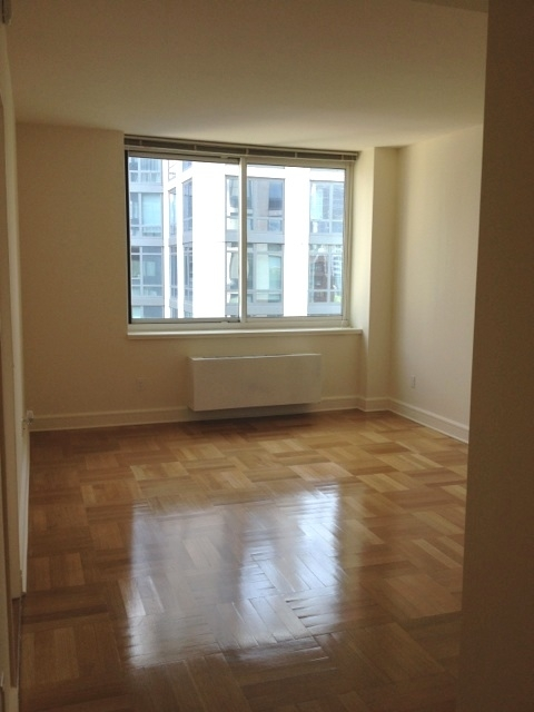 1 Bedroom, Lincoln Square Rental in NYC for $3,385 - Photo 2