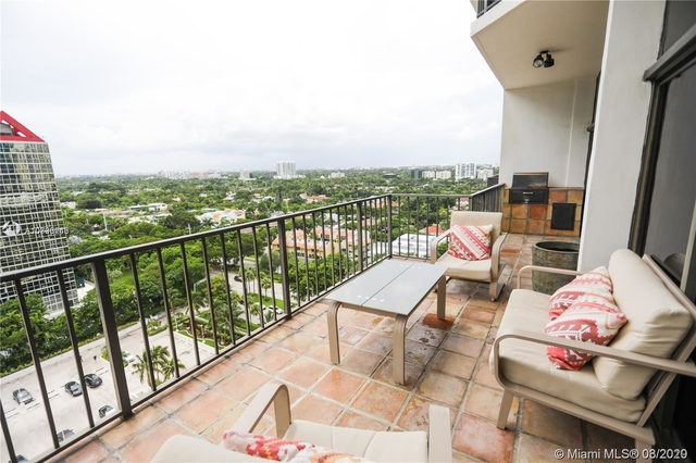 3 Bedrooms, Millionaire's Row Rental in Miami, FL for $5,000 - Photo 1