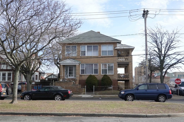 3 Bedrooms, Westholme North Rental in Long Island, NY for $2,950 - Photo 2