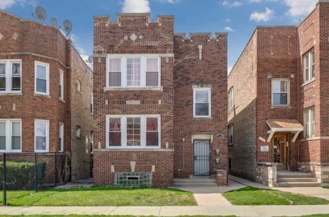 3 Bedrooms, South Shore Rental in Chicago, IL for $1,400 - Photo 1