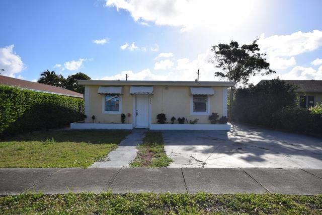 2 Bedrooms, Osceola Park Rental in Miami, FL for $1,800 - Photo 1