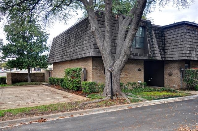 2 Bedrooms, Tanglewood Park Rental in Dallas for $2,200 - Photo 1