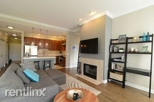 2 Bedrooms, Old Town Rental in Chicago, IL for $3,150 - Photo 2