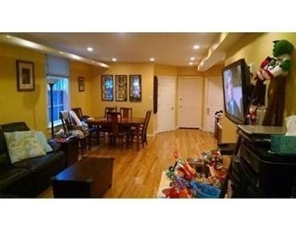 2 Bedrooms, Back Bay West Rental in Boston, MA for $3,250 - Photo 2