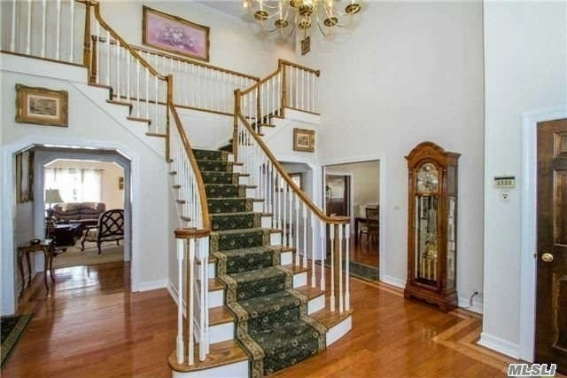 5 Bedrooms, Fort Salonga Rental in Long Island, NY for $6,500 - Photo 2