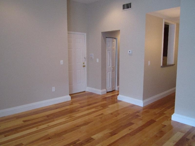 2 Bedrooms, Prospect Hill Rental in Boston, MA for $3,000 - Photo 2