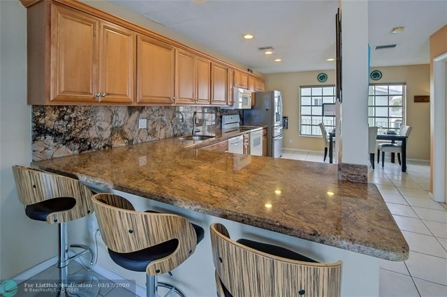 3 Bedrooms, Lauderdale-by-the-Sea Rental in Miami, FL for $4,500 - Photo 2