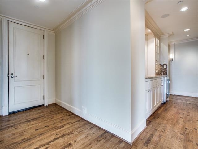 2 Bedrooms, Oak Lawn Rental in Dallas for $9,000 - Photo 2