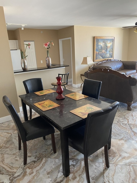 2 Bedrooms, Courtyards in Cityplace Condominiums Rental in Miami, FL for $1,875 - Photo 2