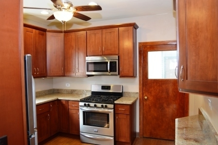 5 Bedrooms, Oak Park Rental in Chicago, IL for $3,200 - Photo 2