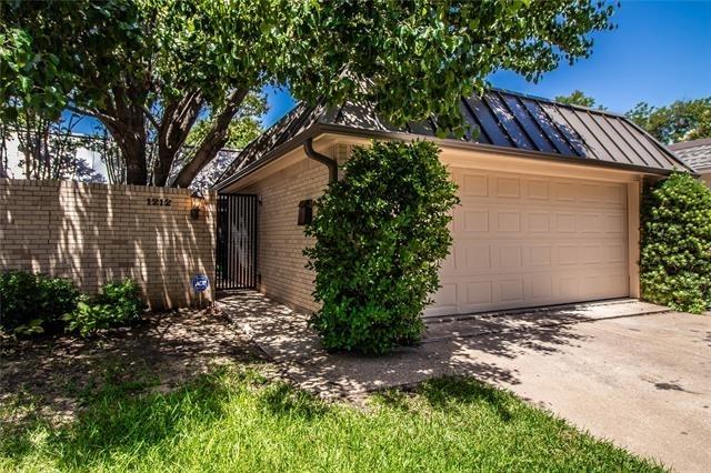 3 Bedrooms, North Hi Mount Rental in Dallas for $2,450 - Photo 2