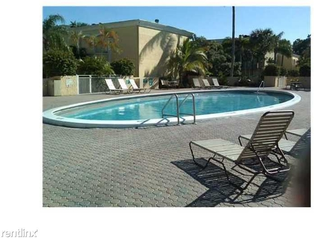 2 Bedrooms, Country Club Rental in Miami, FL for $1,530 - Photo 2