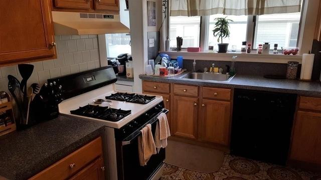 3 Bedrooms, Nonantum Rental in Boston, MA for $2,650 - Photo 2