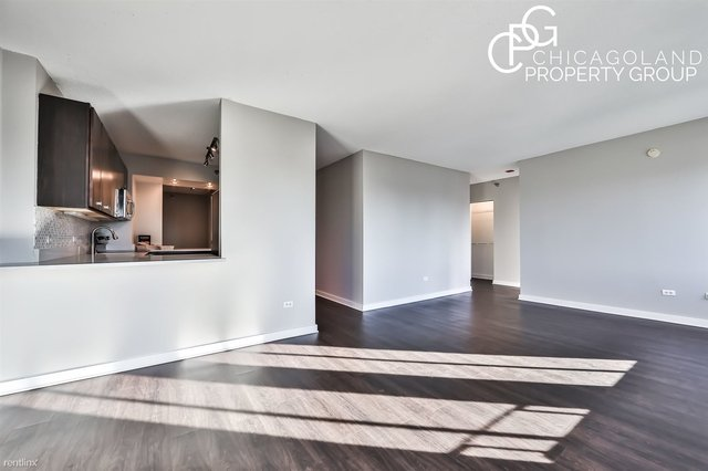 2 Bedrooms, Old Town Rental in Chicago, IL for $2,890 - Photo 2