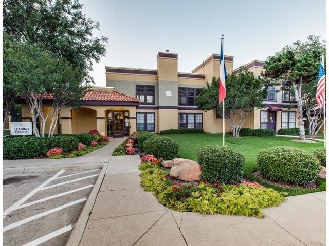 1 Bedroom, Arlington Rental in Dallas for $720 - Photo 2