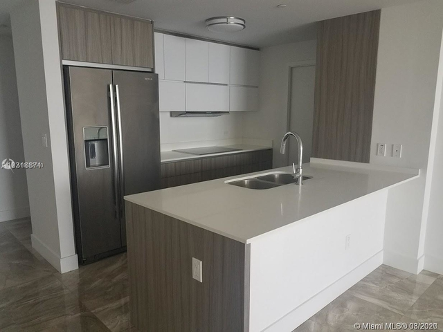 3 Bedrooms, Goldcourt Rental in Miami, FL for $3,000 - Photo 1