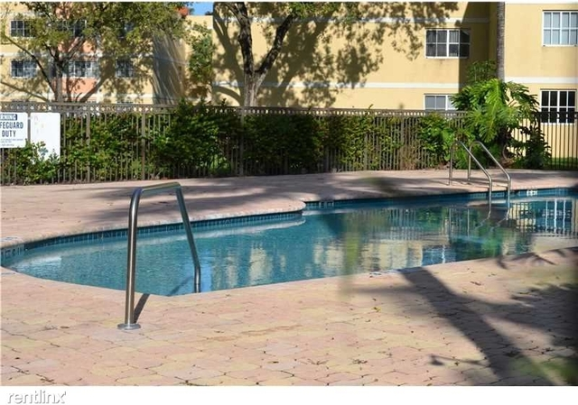 2 Bedrooms, Country Lake Rental in Miami, FL for $1,545 - Photo 2