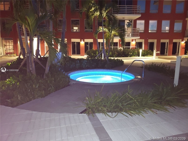 2 Bedrooms, Millionaire's Row Rental in Miami, FL for $3,600 - Photo 2